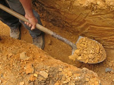 how to stop a embat digging holes